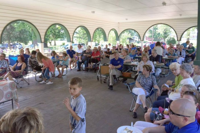 FCC successful with Worship in the Park service in Mineral Wells Park
