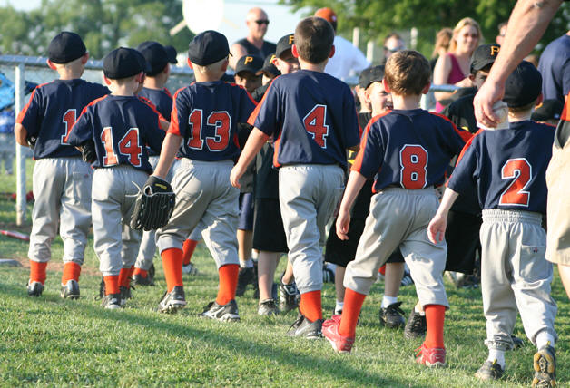 Little league baseball extends sign up period for 2017 season