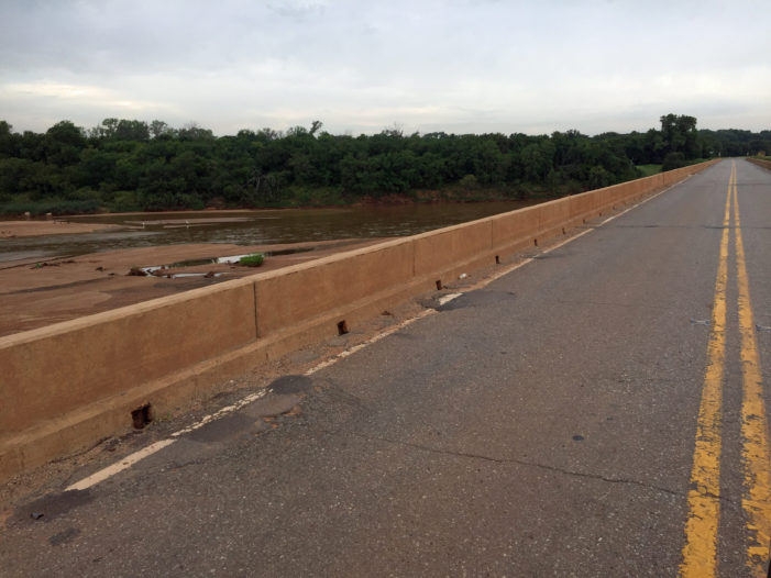 US-77 Cimarron River bridge near Guthrie narrows to one lane Friday
