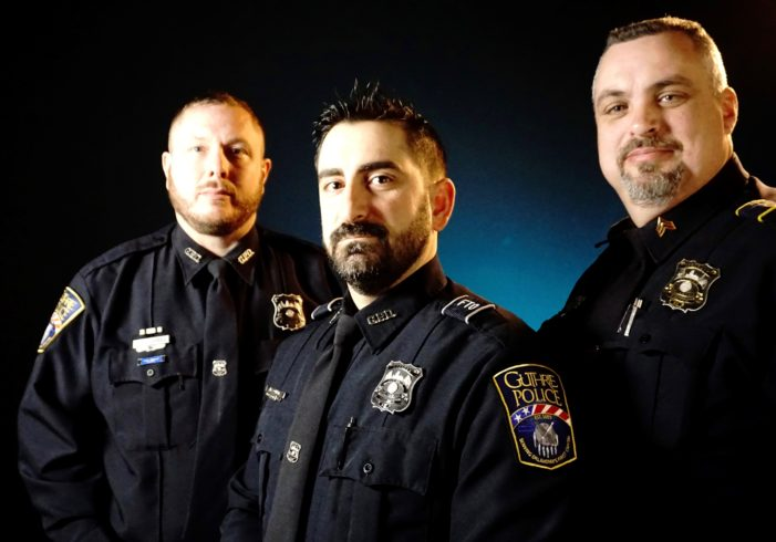 Police officers honored for their heroics at apartment fire
